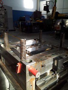 Avería de un molde de inyección de plástico para piezas del grupo Siemens